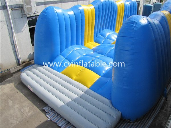 inflatable obstacle (10)