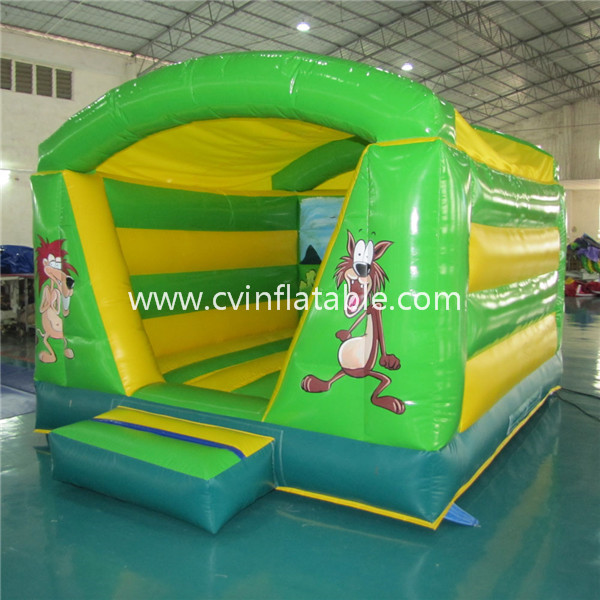 small inflatable bounce castle