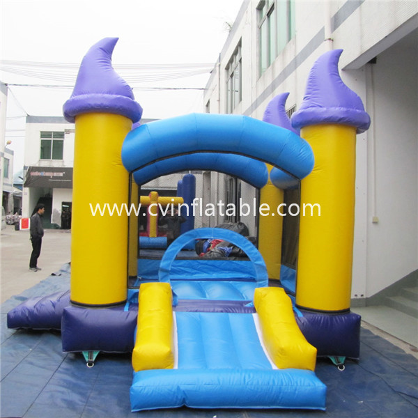 small inflatable juping caslte
