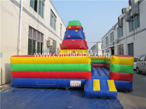inflatable climbing wall (2)