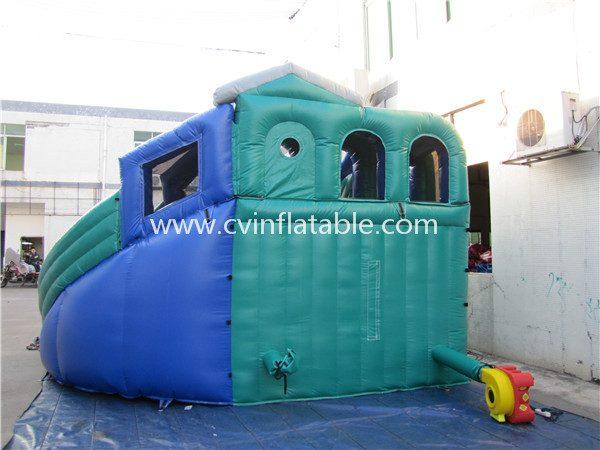 inflatable slide (16)