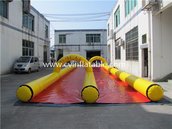 inflatable slip and slide (2)