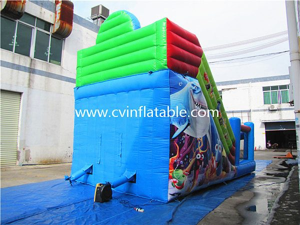 inflatable seaworld slide (2)