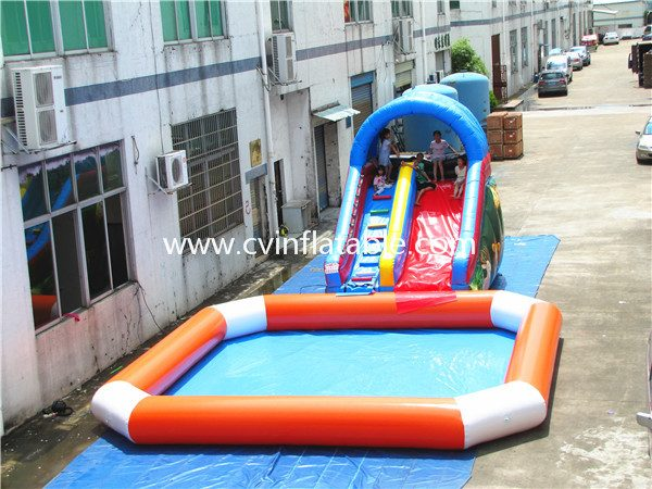 inflatable slide with pool (12)