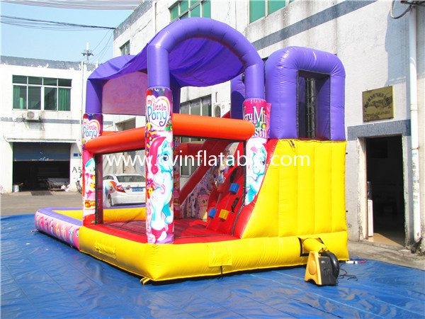 inflatable slide with pool (7)